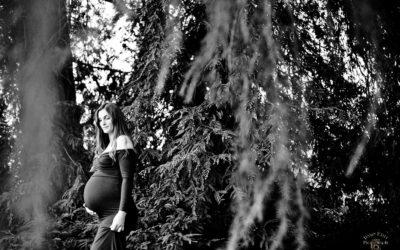 Winter Maternity Photos: Samantha + Kenny